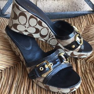 Coach Logo Sandles - Jewel Brown